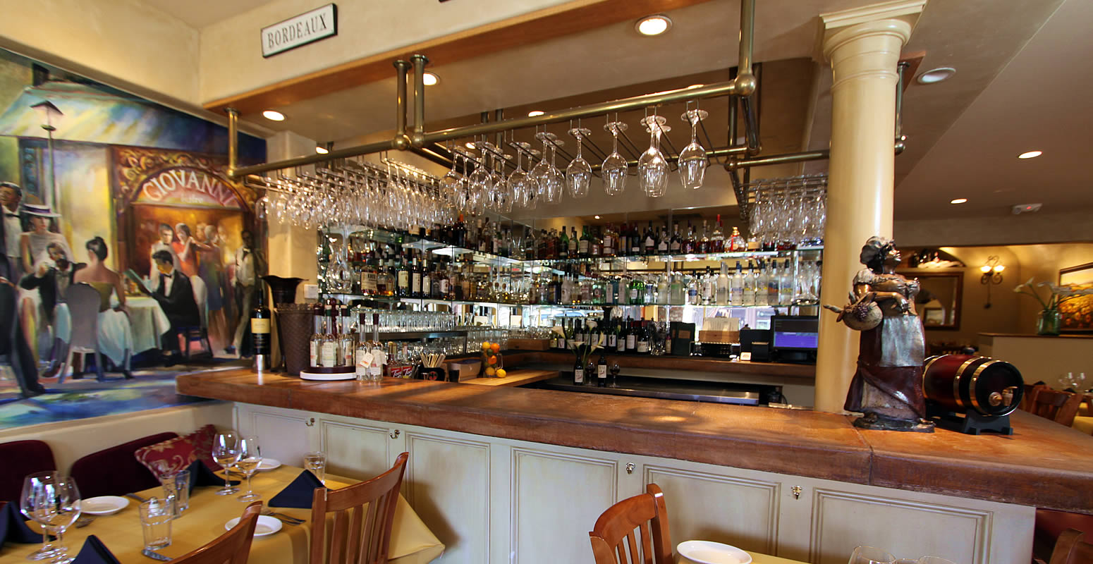 carmel bistro giovanni bar in carmel by the sea